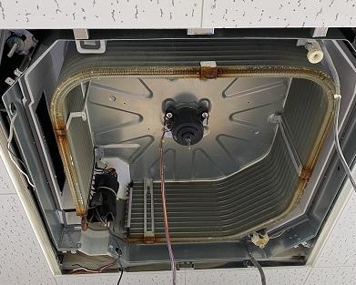 エアコンの組み立て