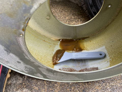 ファンフードの油汚れ