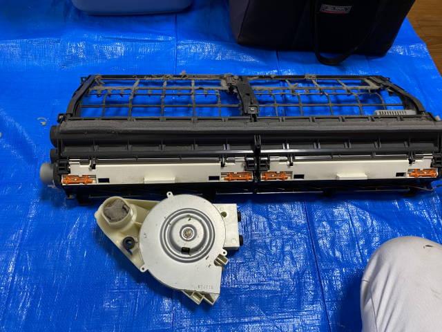 フィルター自動お掃除ユニットと換気ユニット